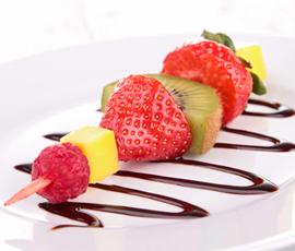 brocheta-frutas