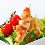 Brocheta_de_pollo_con_verduras