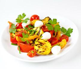 Crema de Calabacín / Verduras a la plancha con Daditos de Mozzarella