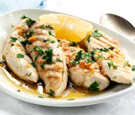 Pollo al limón con alcachofas cocidas